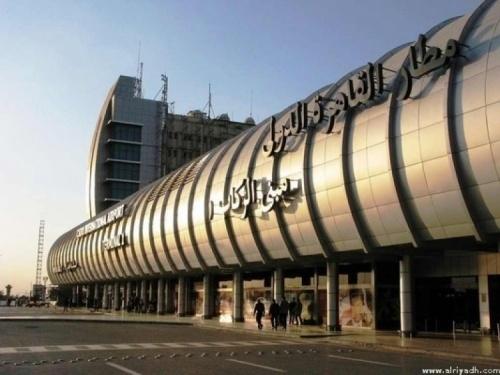 الحكومة المصرية تنفي تعرض السواح الخليجيين لأي مضايقات في مطار القاهرة