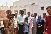 رئيس المجلس الانتقالي الجنوبي يزور عددا من أسر  الشهداء  بالعاصمة عدن (مصور)