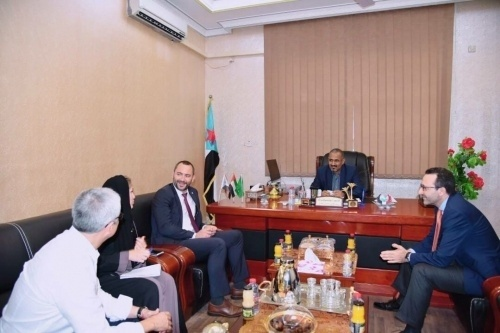 President of the Southern Transitional Council Meets the Red Cross