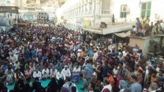 Citizens of Hadramout gather in Mukalla supporting the statement of the Southern Transitional Council and rejecting the corruption of the government