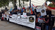 The southern community in the United Kingdom organizes protests against the corruption of the legitimate government and in support of Southern Transitional Council
