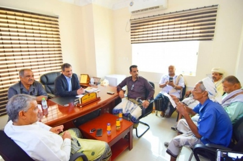 The Secretary-General of Southern Transitional Council meets a number of poets and writers of Abyan