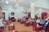 President Al-Zubaidi meets a number of elders and sheikhs from Abyan province
