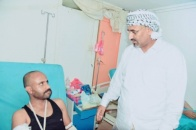 President Al-Zubaidi checks on the wounded of the fronts of north of Dhalei