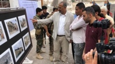 President Al-Zubaidi inaugurates photos exhibition on crimes and violations of Houthi and Terrorism Groups
