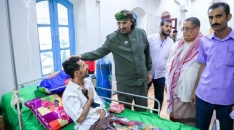 President Al-Zubaidi inspects status of wounded of southern forces and presidential brigades at Basuhaib hospital