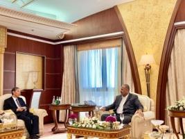 President Aidaroos Al-Zubaidi meets Chinese Ambassador to Yemen