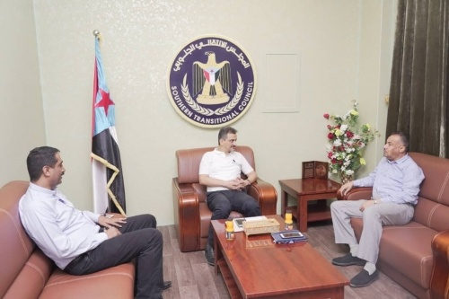 Lamlas meets Aden tax officials and stresses on need to activate revenue facilities