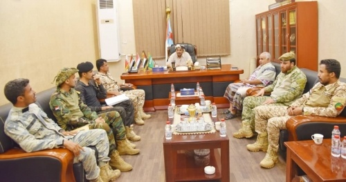 President Al-Zubaidi discusses with number of Al-Hazm battalions leaders efforts to maintain security