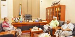 President Al-Zubaidi discusses with Major General Ali Qasim Talib developments on southern scene