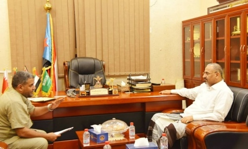 President Al-Zubaidi meets with General Director of Al-Malla District and discusses statutes of Mayyun Island