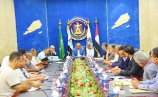 President Al-Zubaidi meets with leadership of Aden Chamber of Commerce and Industry