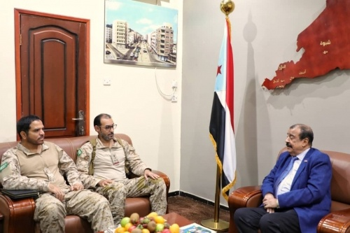 Chairman of National Assembly meets commander of Arab Coalition forces in Aden the capital