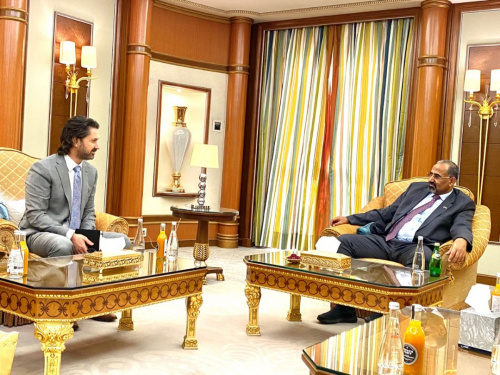 President Aidaroos Al-Zubaidi receives officials from United Kingdom Mission