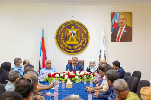 Major General Bin Brik meets committees of monitoring government institutions in Aden