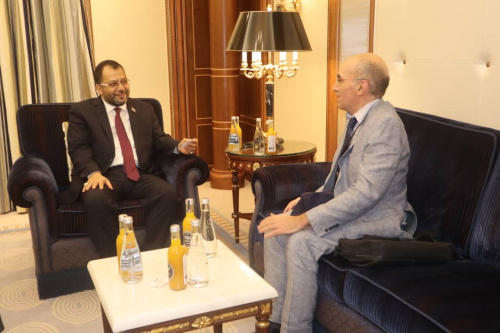 Al-Kaf discusses with Deputy Ambassador of France developments related to implementing the Riyadh Agreement