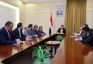 Head of Negotiations Affairs Unit Nasser Al-Khobaji meets with Prime Minister Moein Abdel-Malik