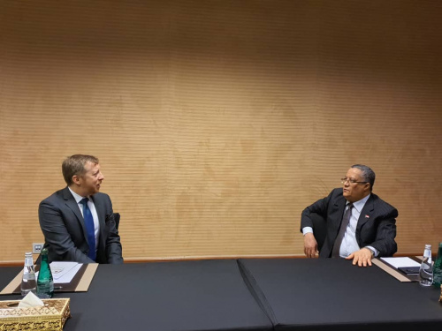 Al-Khobaji discusses with the political and economic official in US Embassy developments in implementing the Riyadh Agreement