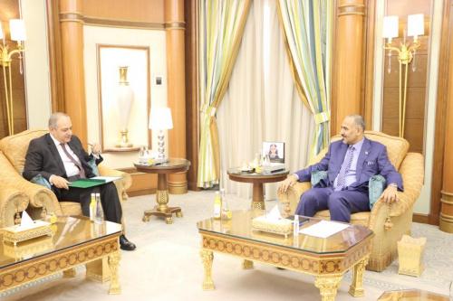 President Aidaroos Al-Zubaidi meets the Ambassador of the Arab Republic of Egypt