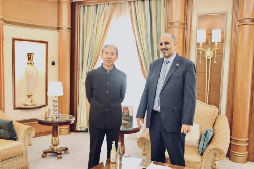 President Aidaroos Al-Zubaidi receives the Ambassador of the People's Republic of China