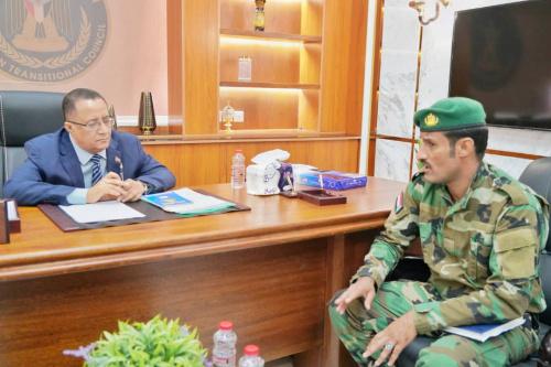 Dr. Al-Khobaji discusses security developments with Commander of Security Belt in Aden the capital