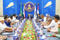 Al-Khobaji discusses improving economic reality with businessmen and members of Chamber of Commerce