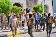 Acting President of Southern Transitional Council witnesses military parade by anti-terrorist units of Asifah Brigade