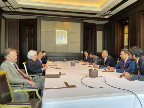 President Aidaroos Al-Zubaidi meets with the envoy of the Secretary-General of the United Nations