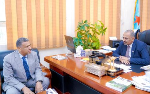 President Al-Zubaidi meets the Secretary-General of the Local Council of Aden the capital