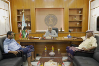 President Al-Zubaidi meets with Director General of Taxes in Lahj and Director of Security in Tur Al-Baha