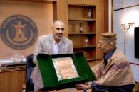 President Al-Zubaidi honors the southern writer Ahmed Mahfouz Omar