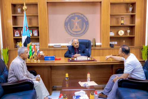 President Al-Zubaidi meets Undersecretary of Curriculum and Guidance Sector in Ministry of Education and Director of Education Office in Aden the capital