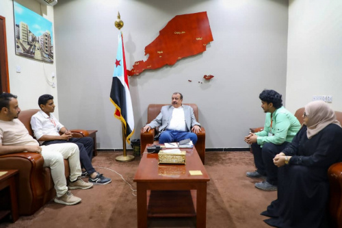 Chairman of the National Assembly discusses with Aden Youth Consultations team education process in the South