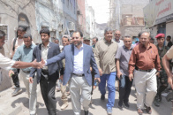 Under directives of President Al-Zubaidi.. Leaders from Transitional Council inspect damages in Crater and reassure on residents' status